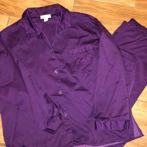 Miss Elaine purple 2 piece oak set size Lg
